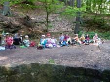 Takhle se děti posadily úplně sami.