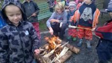 Speciální svačinka - hadi na ohni.