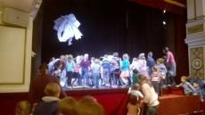 Nevšední konec divadelního představení Pejprboj :)